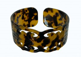 3.5 cm Faux Turtle Shell Cuff Bracelet - Carved Design